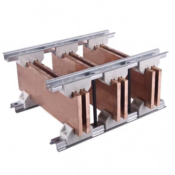 Busbar support insulators